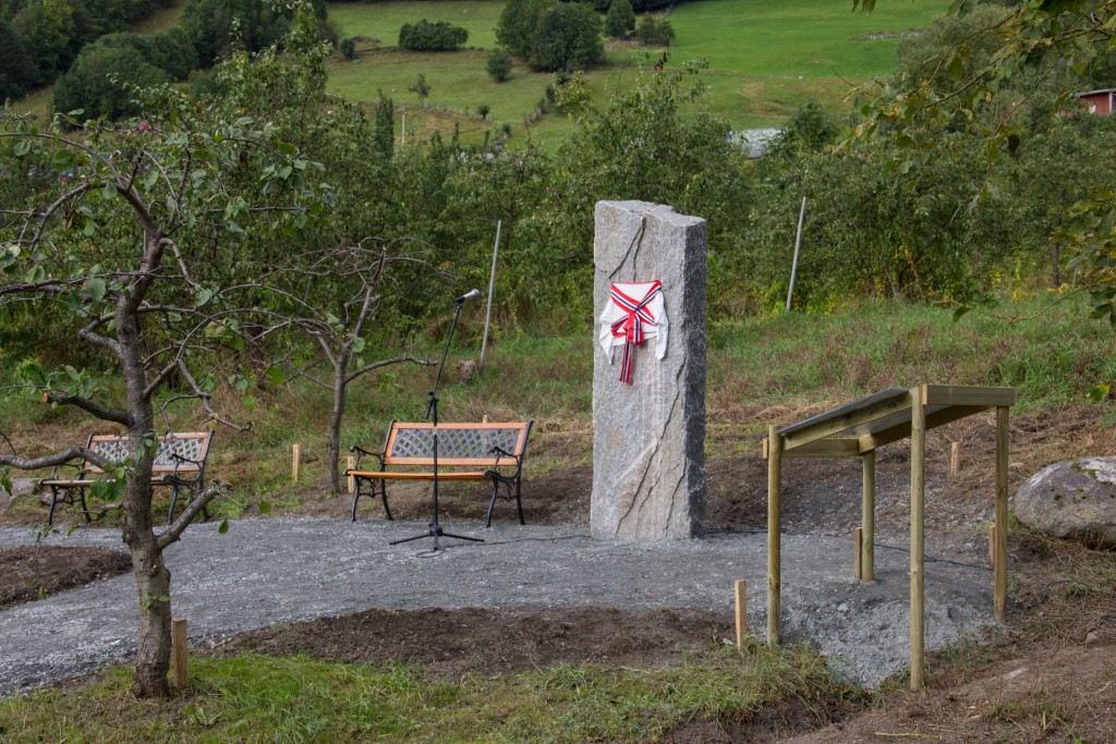 Minnesteinen i Hårfagreparken.