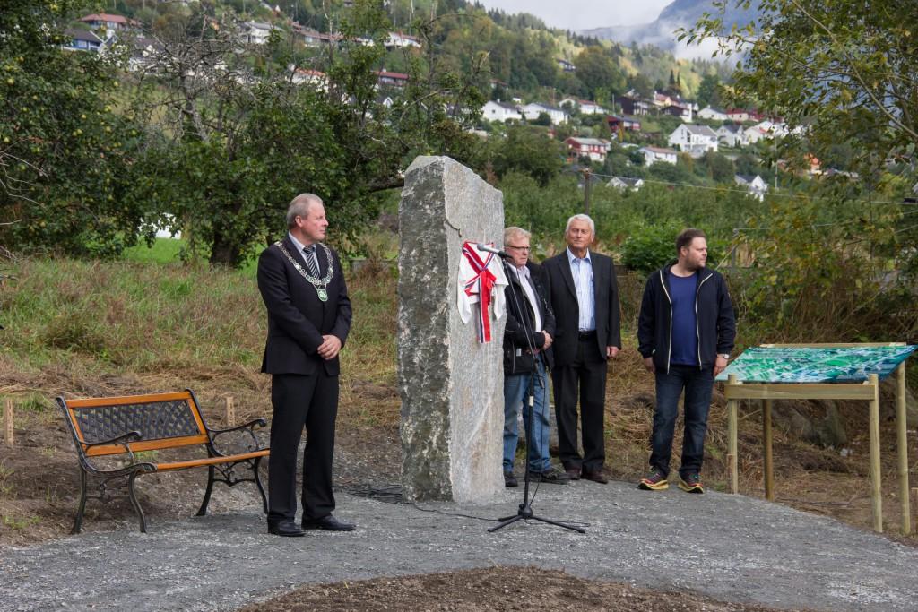 Ordførar Olav Lunden, Knut Henning Grepstad, Steinar Velle og Kjell Arne Valvik