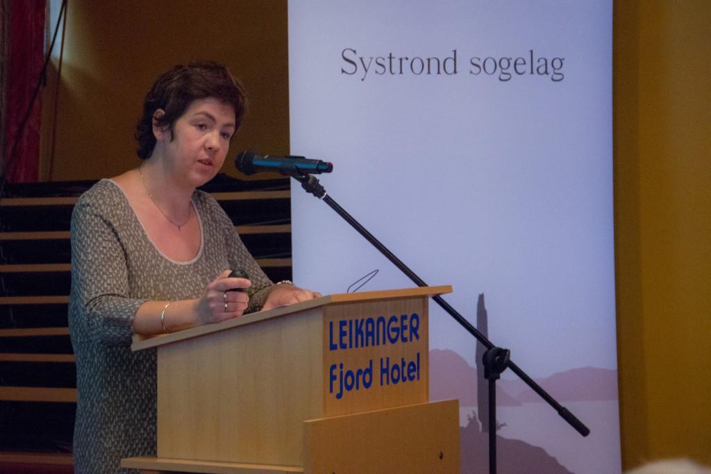 Marit Anita Skrede snakka om Husabø i førhistprisk tid